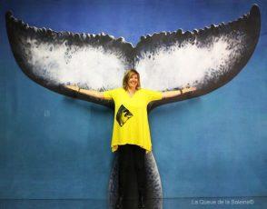 259 Florence Egrix à l'atelier à Montreuil devant La Queue de la Baleine.