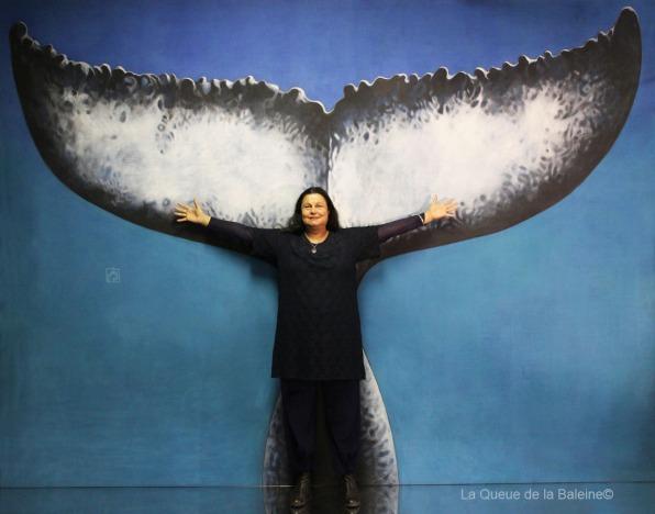 262 Maria Isabelle Bremond à l'atelier à Montreuil devant La Queue de la Baleine.