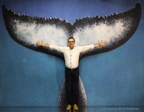 267 Hervé Reisser à l'atelier à Montreuil devant La Queue de la Baleine.
