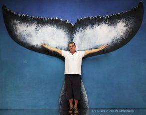 277 Bernard Cadren à l'atelier à Montreuil devant La Queue de la Baleine.