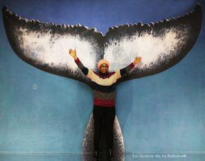 Emilie Yekpé à l'atelier à Montreuil devant La Queue de la Baleine.