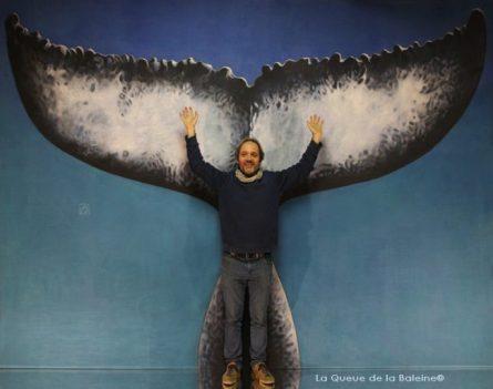 Jean Paul Fourd à l'atelier à Montreuil devant La Queue de la Baleine.