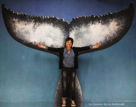 Odile Bouxirot à l'atelier à Montreuil devant La Queue de la Baleine.