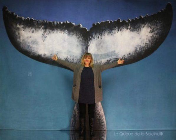 Isabelle Jaillet devant La Queue de la Baleine.