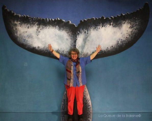 Françoise Faury devant La Queue de la Baleine.