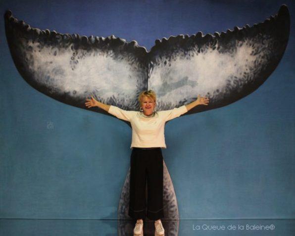 Elisabeth Leber devant La Queue de la Baleine.