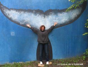 7 Catherine Fleurquin au 91 à Bagnolet devant La Queue de la Baleine.