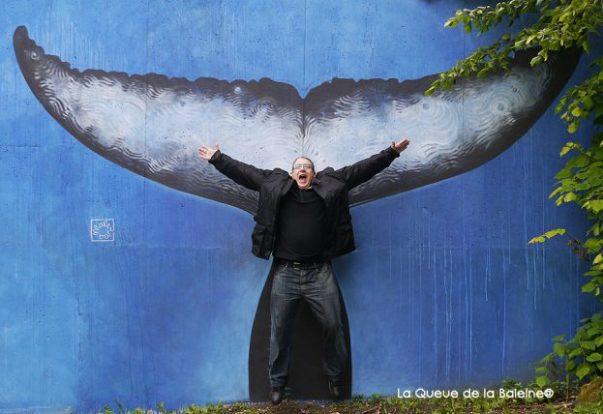 8 Alain Smilo au 91 à Bagnolet devant La Queue de la Baleine.