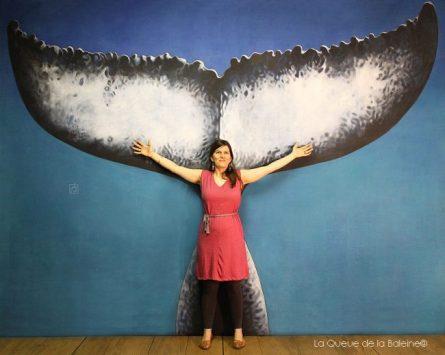 Amélie Confida devant La Queue de la Baleine.
