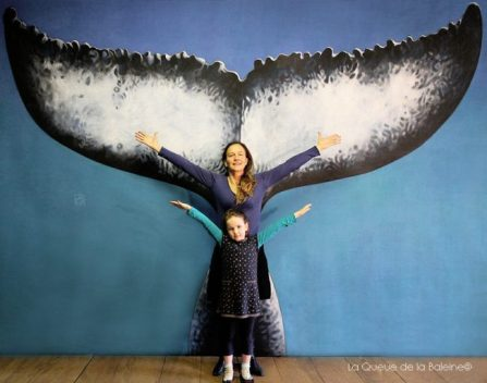 Christine Robin et Clara Luna devant La Queue de la Baleine.