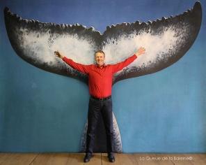 Yves Daudier devant La Queue de la Baleine.