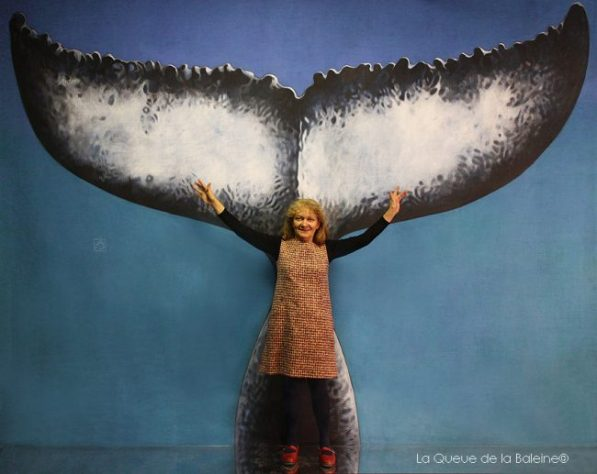 Marylène Roubertie devant La Queue de la Baleine.