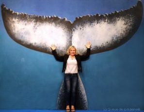 Joelle Polydor devant La Queue de la Baleine au FMISM à Marseille