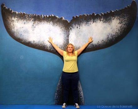 Oriane Jacquel devant La Queue de la Baleine au FMISM à Marseille