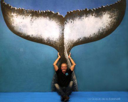 Patrick Masse devant La Queue de la Baleine au FMISM à Marseille