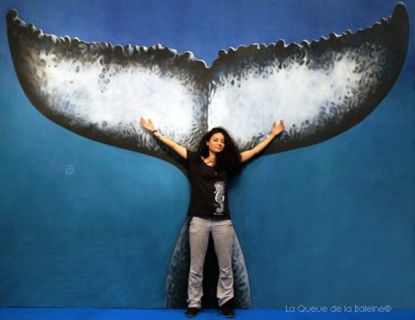 Lamya Essemlali, présidente de Sea Shepherd France, devant La Queue de la Baleine au FMISM à Marseille