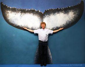 Vincent Maran devant La Queue de la Baleine au FMISM à Marseille