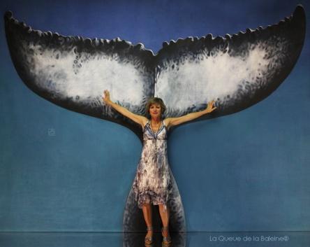 Brigitte Borjon avec La Queue de la Baleine en hommage à la nature.